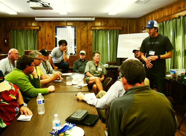 Tod Suttle discusses proper line management and care. photo by AlQ